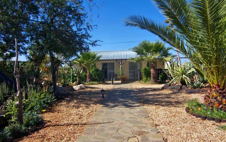 Etango Guest Farm